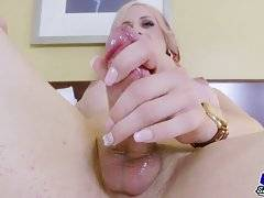 Gorgeous and super horny transgirl who loves sex, the more the better!